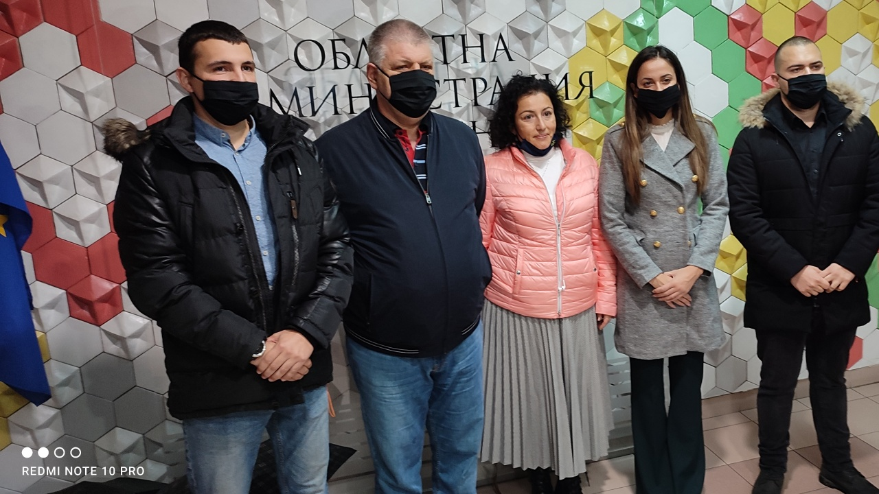 ГЕРБ-Сливен регистрира листата си с кандидати за народни представители