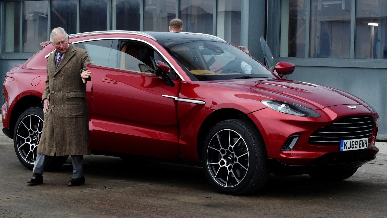Автомобилът на принц Чарлз използва гориво, произведено от вино и сирене