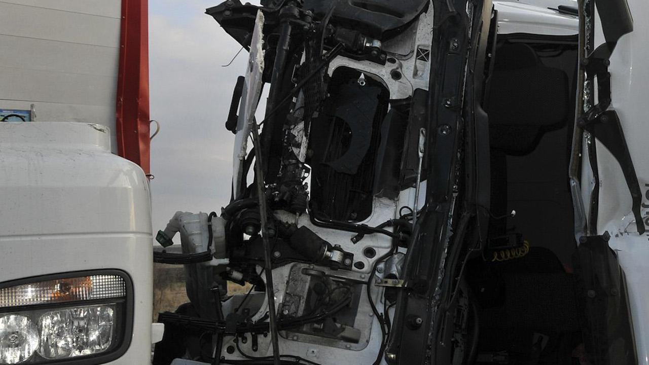 Два ТИР-а се удариха отново на пътя Русе-Разград