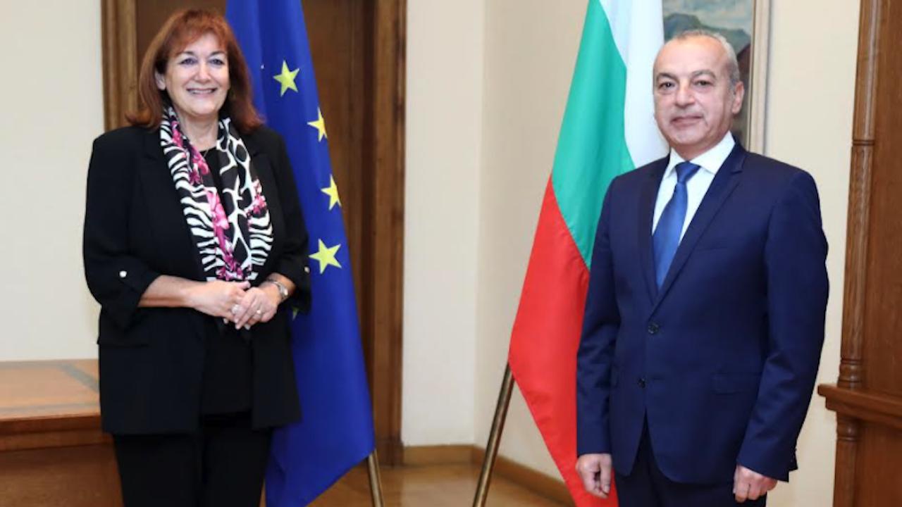 Гълъб Донев разговаря със зам.-председателя на ЕК Дубравка Шуица