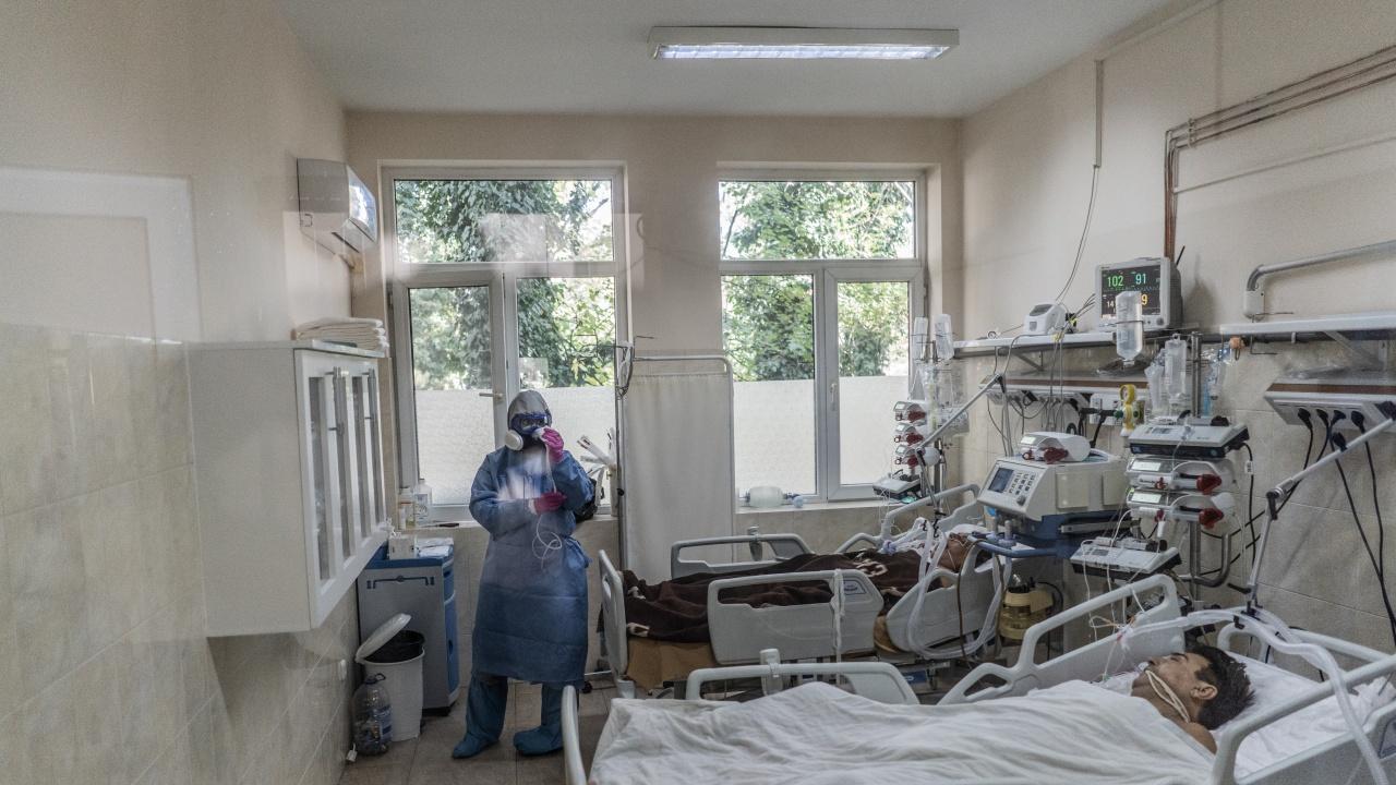 32 деца и бебе са с COVID-19 в Ямболско