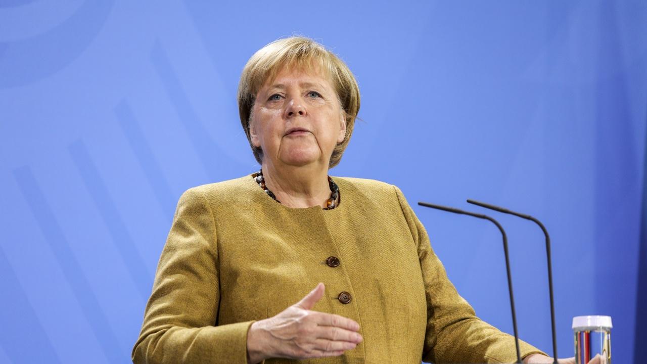 Меркел: Германия все още не е готова да признае режима на талибаните