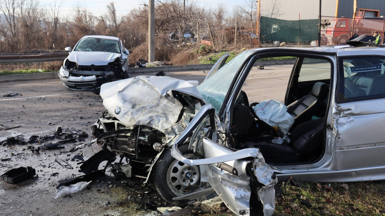 Един загинал и 31 ранени при катастрофи за денонощието