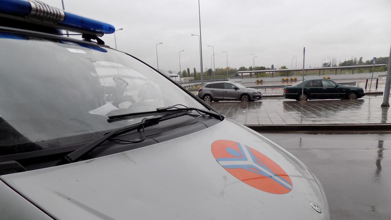 Жестоки проверки срещу нерегламентиран таксиметров превоз в София