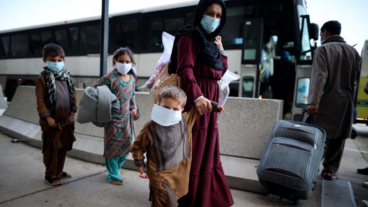 Талибаните: Ако санкциите срещу Афганистан останат в сила, може да се стигне до потоци от икономически бежанци