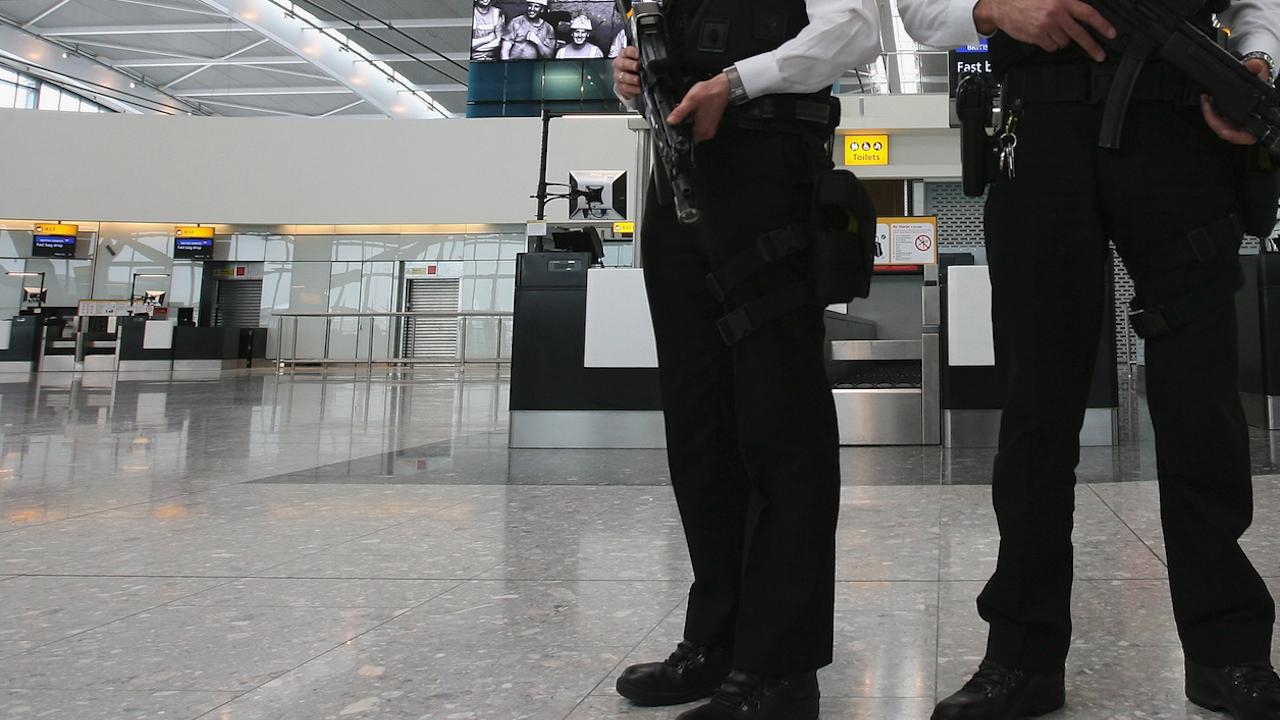 Българин е опитал да се самоубие на летището в Атина