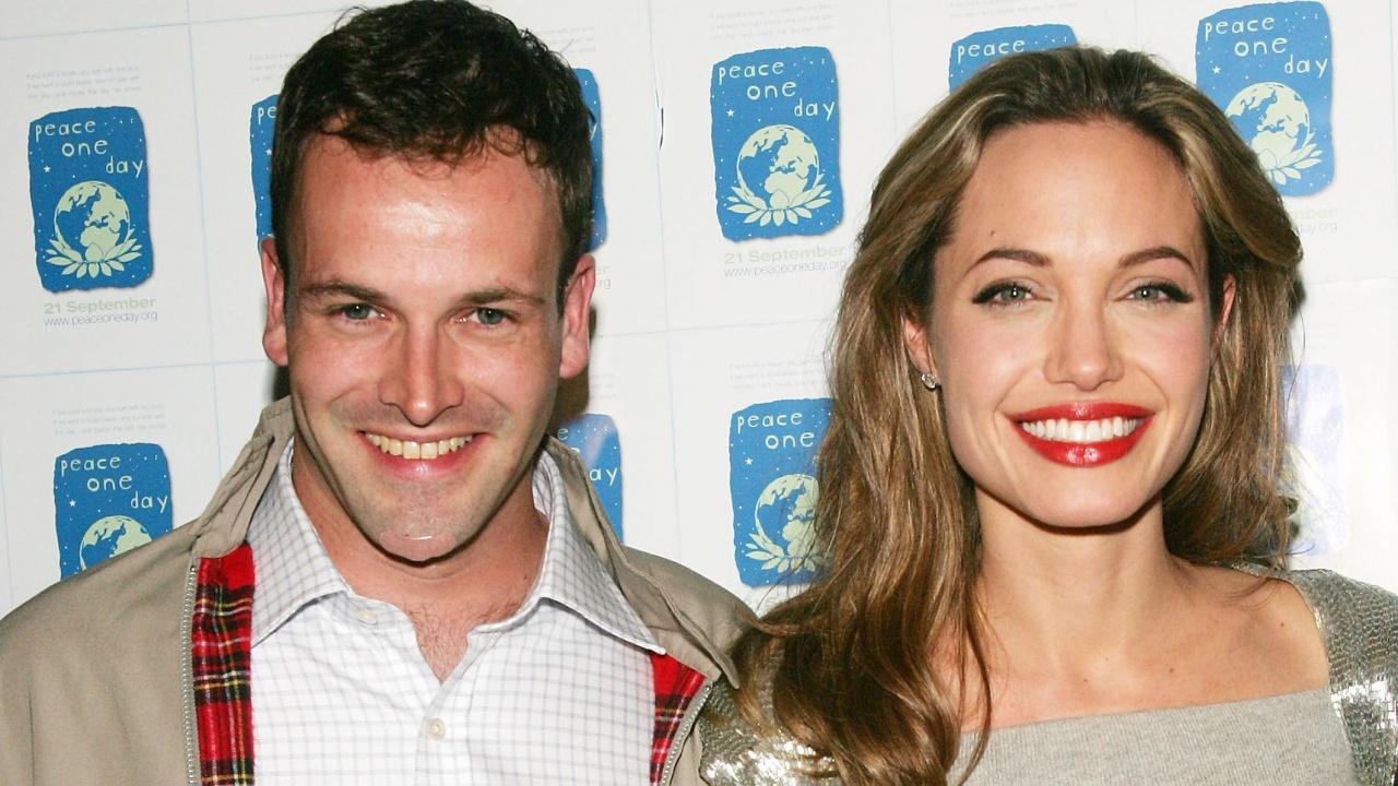 Анджелина Джоли се събра с бившия
