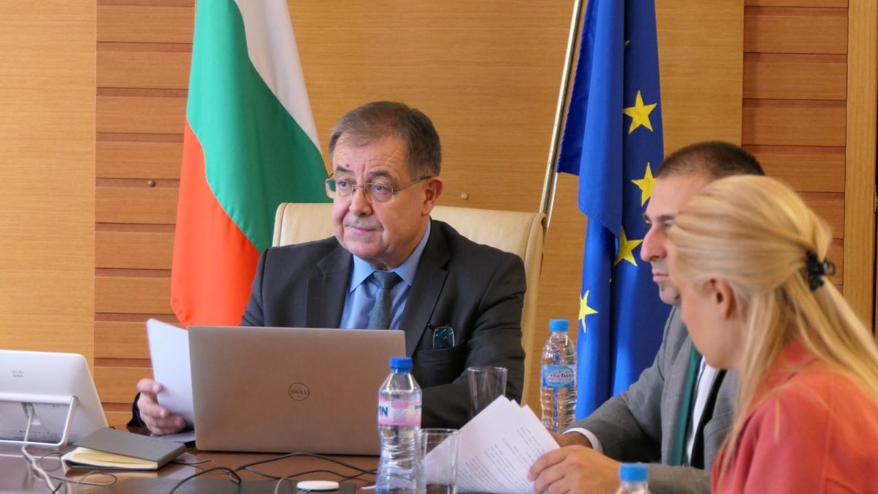 Министър Бозуков: Тютюнопроизводителите ще получат извънреден de minimis в размер до 3 млн. лева