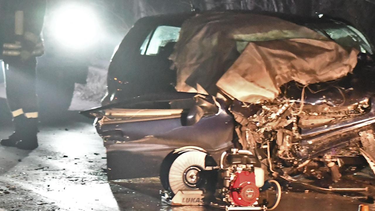 Тежка катастрофа затвори пътя Асеновград-Смолян