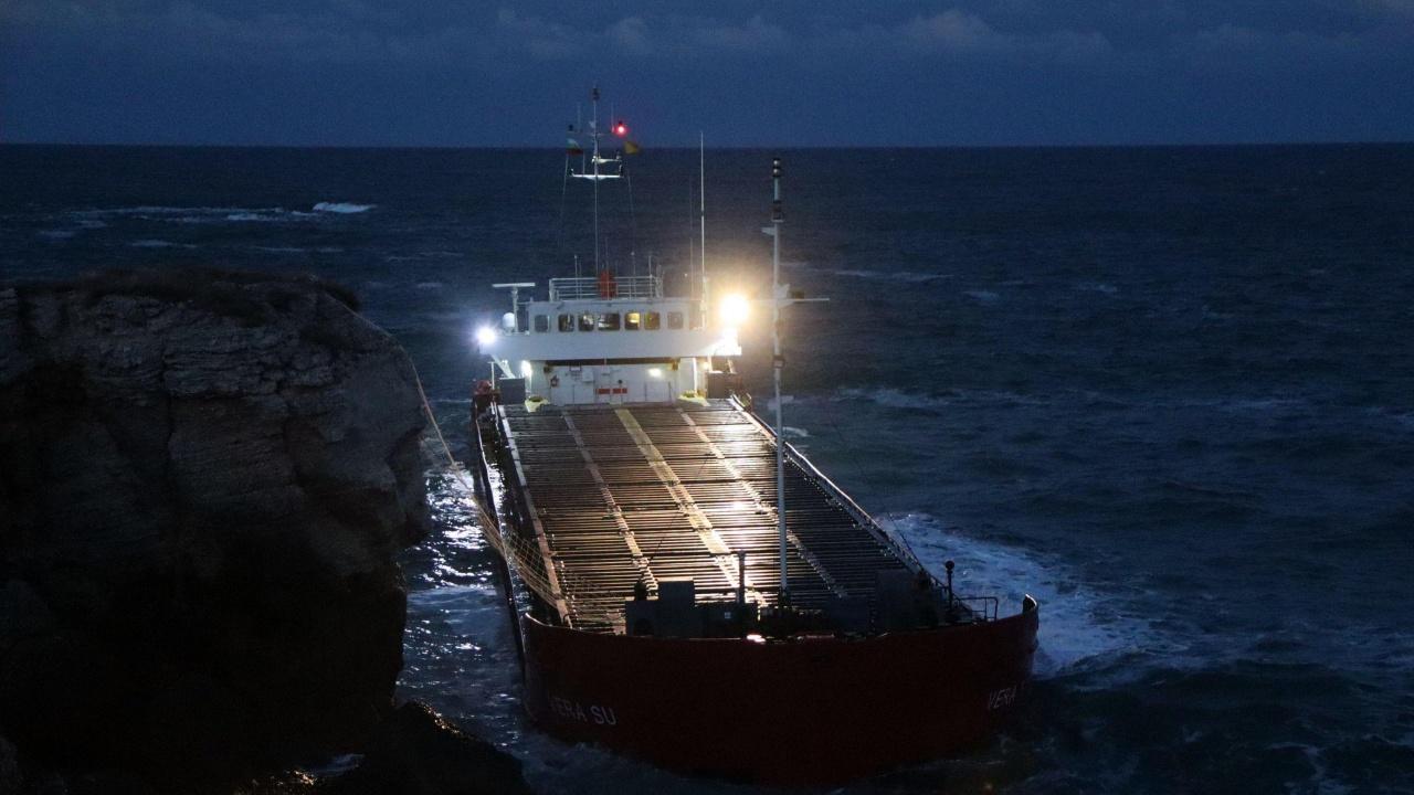 """Директорът на """"Морска администрация"""": Обмисляме санкции за собственика на """"Вера Су"""""""