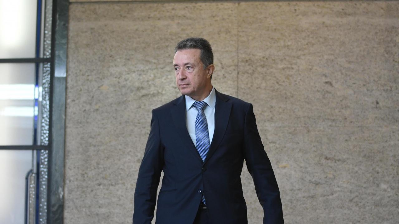 Стоилов изпрати на ВСС данни за противоречие относно гражданството на председателя на СГС