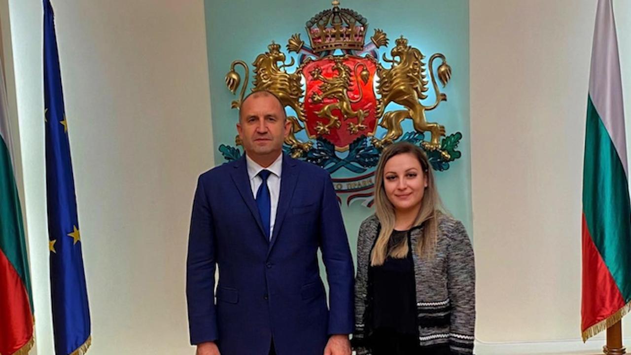 Студентка, спасила два човешки живота, се срещна с президента Румен Радев