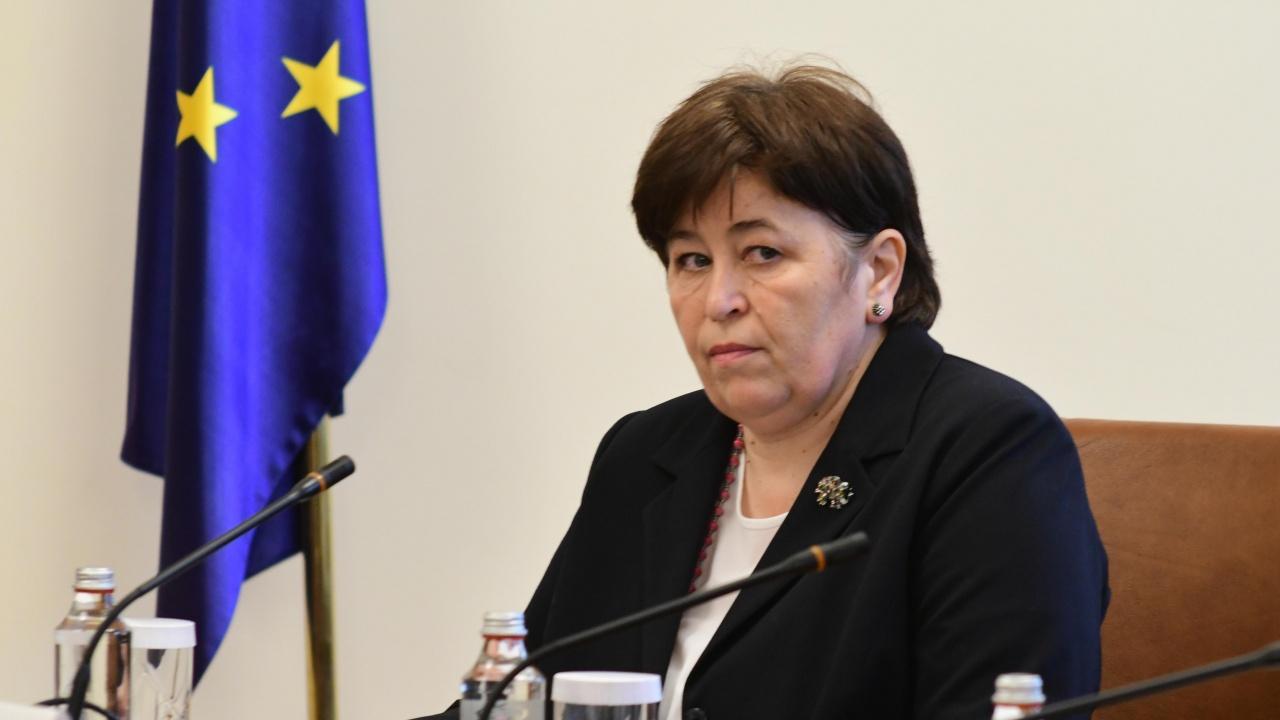 Министърът на туризма е с COVID-19