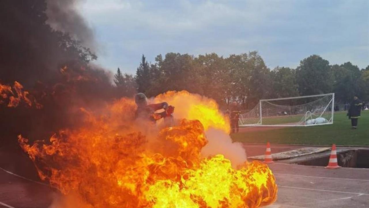 Пожарникарите от Стара Загора спечелиха купата на Българската федерация по пожароприложен спорт