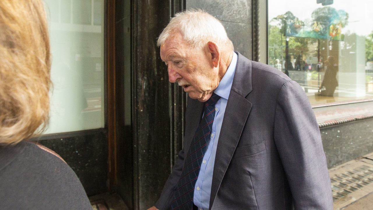 84-годишен милиардер се оказа перверзник на детско порно, влиза в затвора