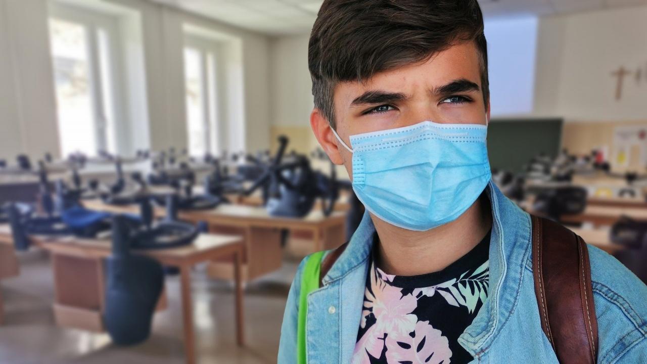 Ученик сред новозаразените с коронавирус в Хасково