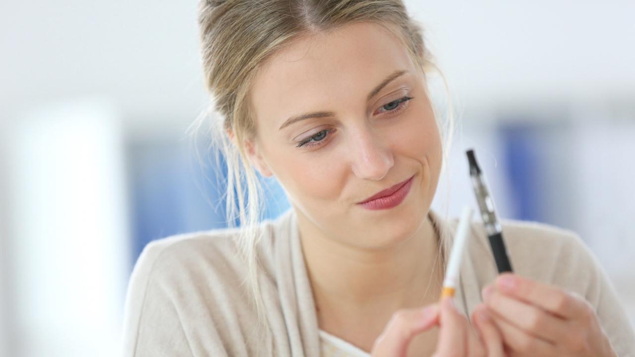 Американски учени: Електронните цигари са ефективни при спиране на пушенето