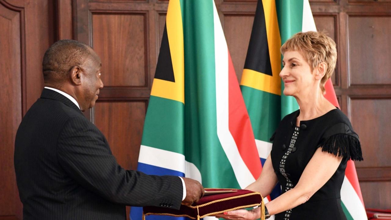 Посланик Мария Цоцоркова връчи акредитивните си писма на президента на Южна Африка