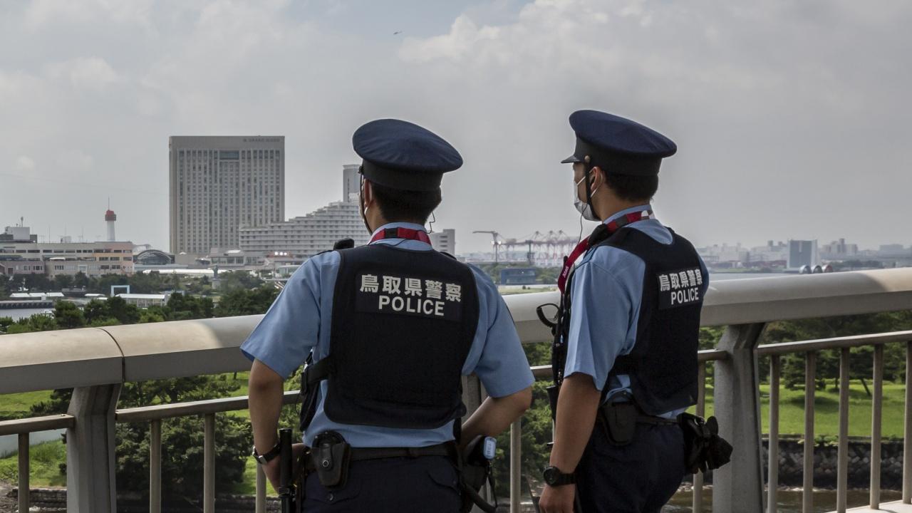 Мъж нападна с нож хора на жп гара в Токио, има ранени