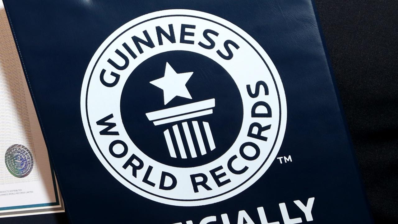 Туркинята Рюмейса Гелги е най-високата жена в света