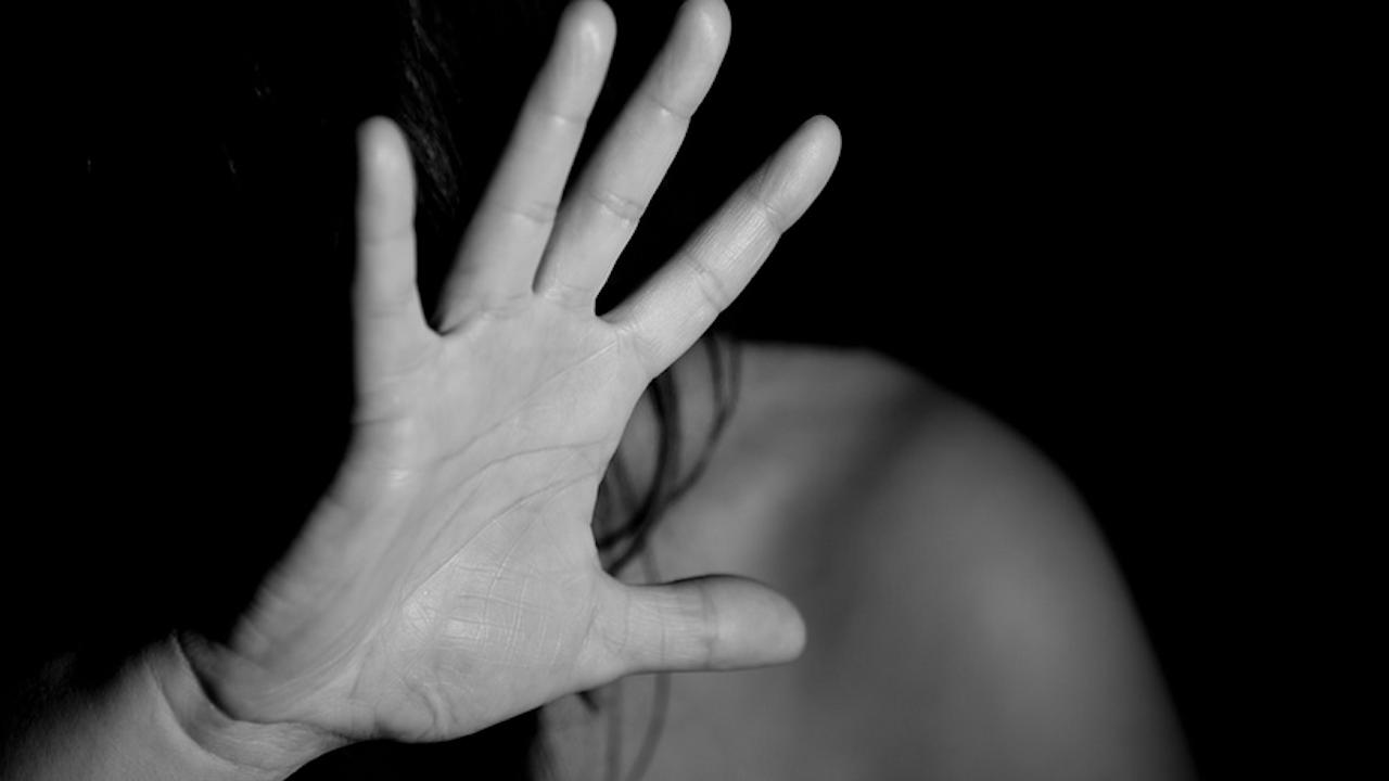Двама изнасилиха 16-годишна край Пловдив