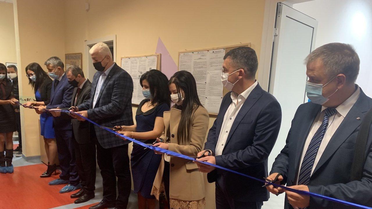 Кметът на Пловдив откри специализирана стая за изслушване на деца