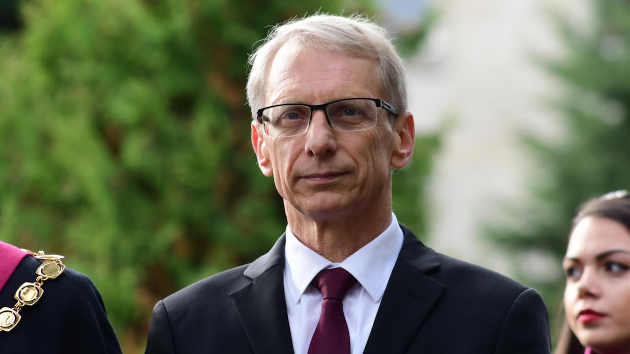 Министър Денков категоричен: Няма да издам нареждане за задължителна ваксинация нa учителите
