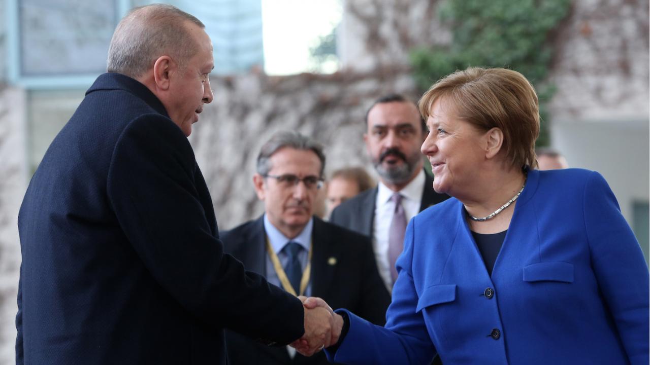 Меркел пристига на прощална визита в Истанбул за среща с Ердоган