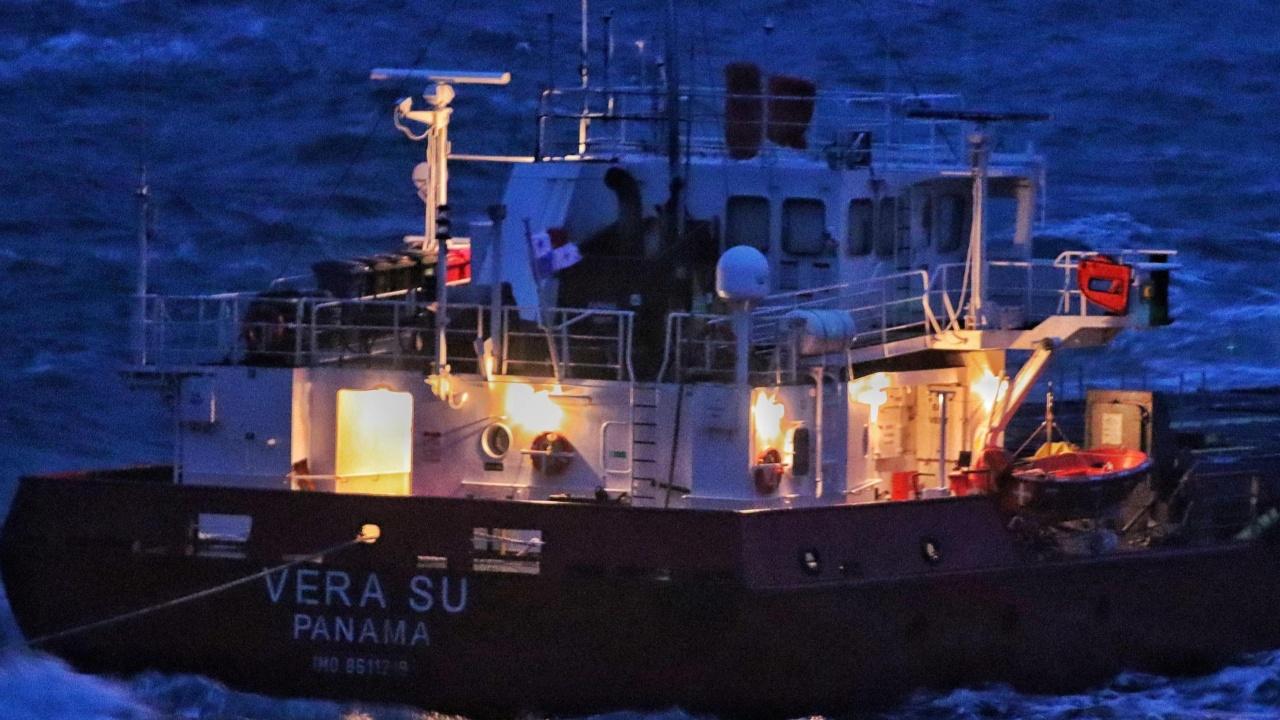 """Шефът на """"Морска администрация"""" – Варна: В момента няма замърсяване в района около кораба  """"Вера Су"""""""