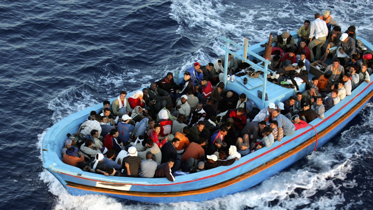 Най-малко 8 мигранти загинаха при корабокрушение до бреговете на Испания