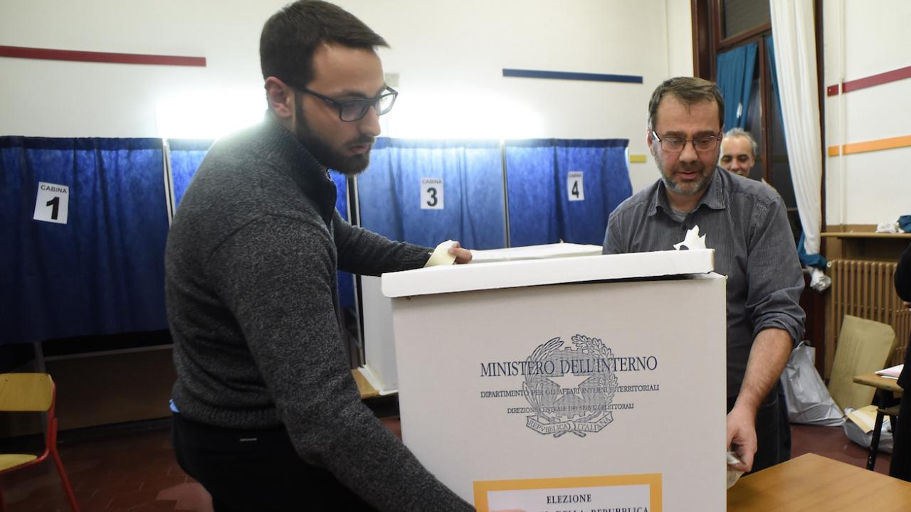 В Италия гласуват на балотаж на местните избори