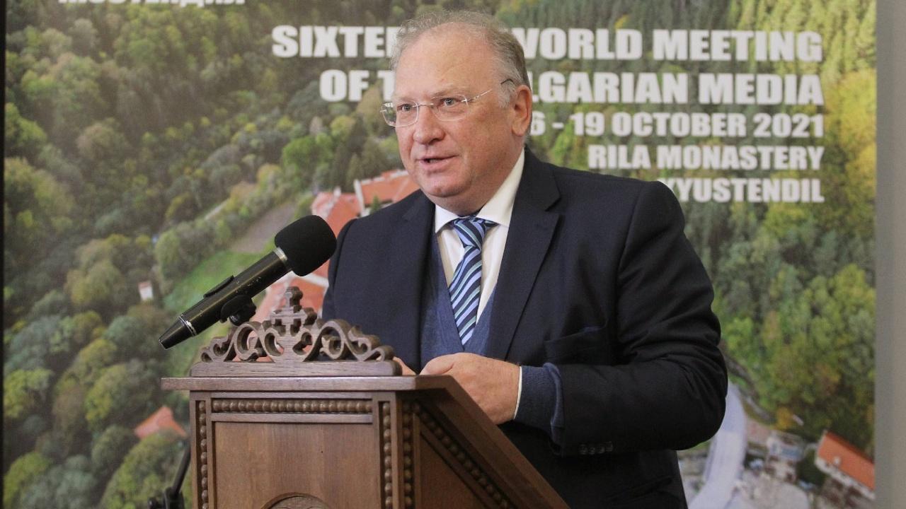 Министър Светлан Стоев призова българите в чужбина да се включат в подготовката на изборите зад граница