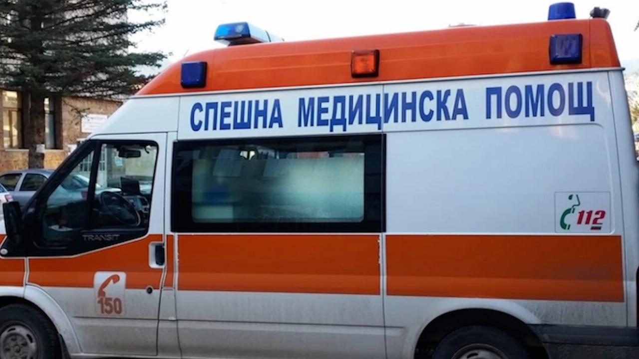 Шофьор блъсна мъж и жена на пешеходна пътека в Шумен, жената почина в болница