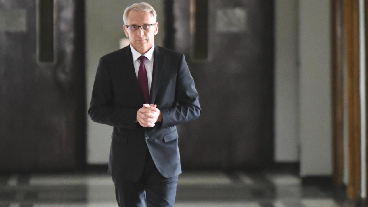 Министър Николай Денков ще съобщи утре резултатите от одит, установил сериозни финансови злоупотреби