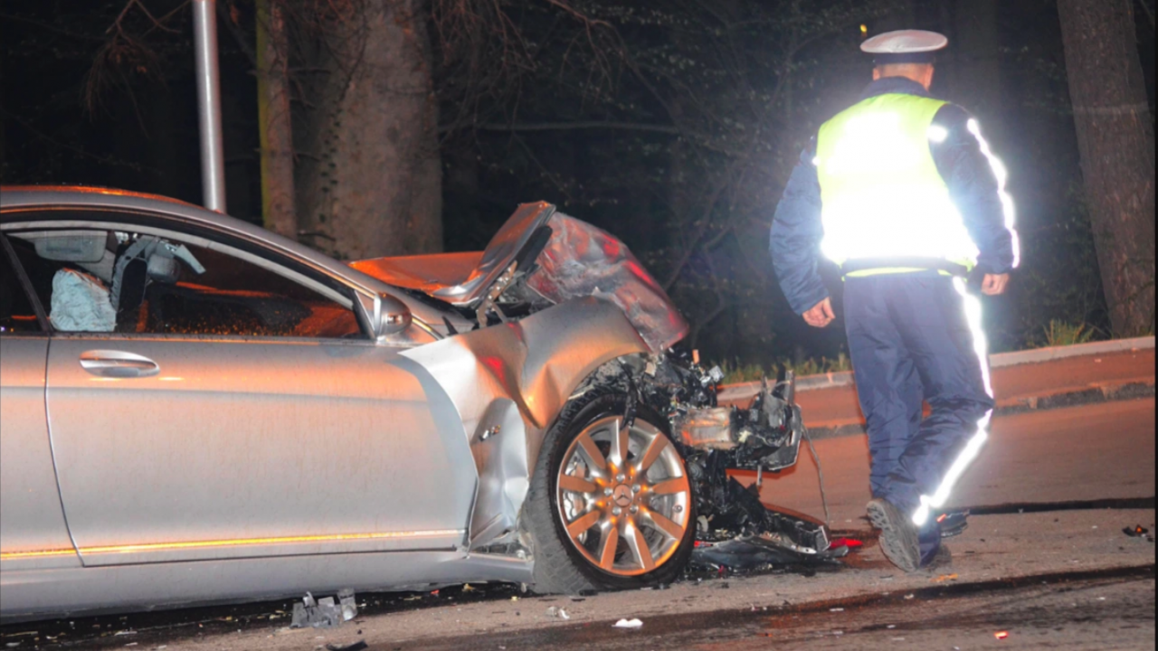 Шофьор предизвика катастрофа и избяга