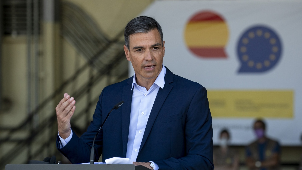 Испанският премиер подкрепи идеята за премахване на имунитета на краля