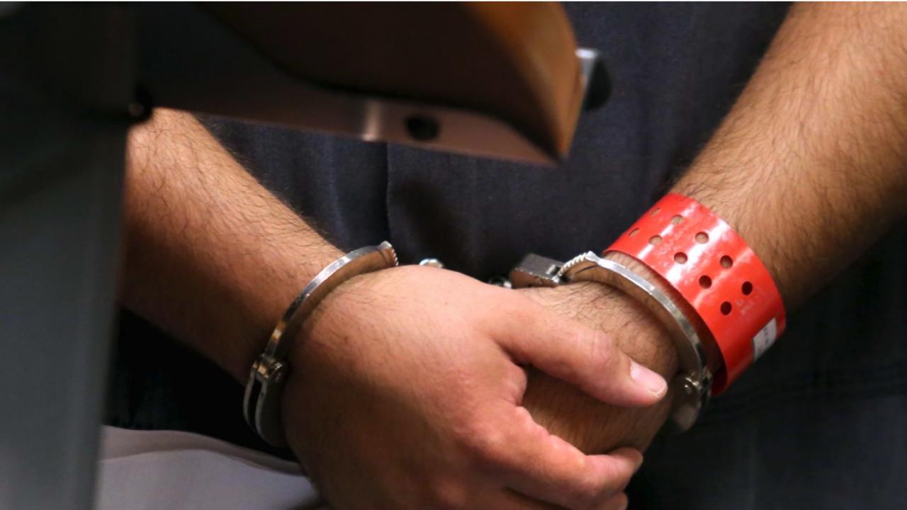 Повдигнаха обвинение на мъжа, стрелял по бившата си приятелка във фризьорски салон в София