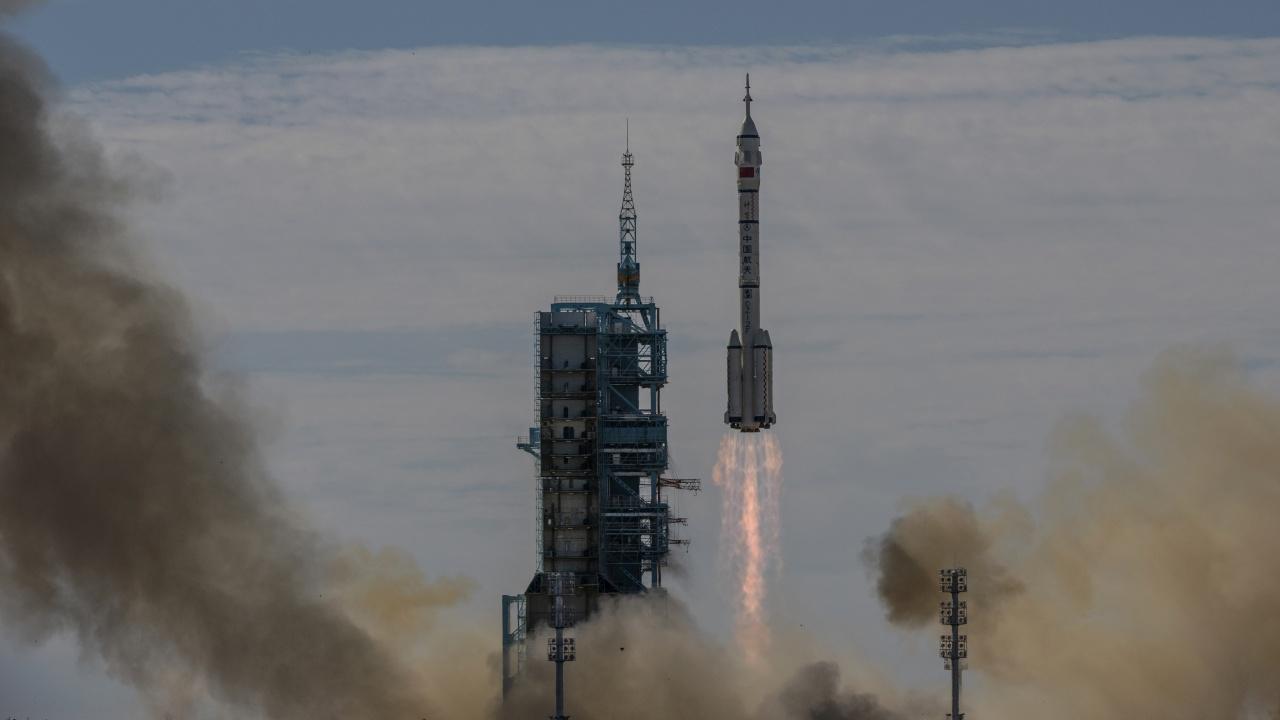 Китай отрича да е изпитвал хиперзвуково оръжие и твърди, че е тествал космически кораб