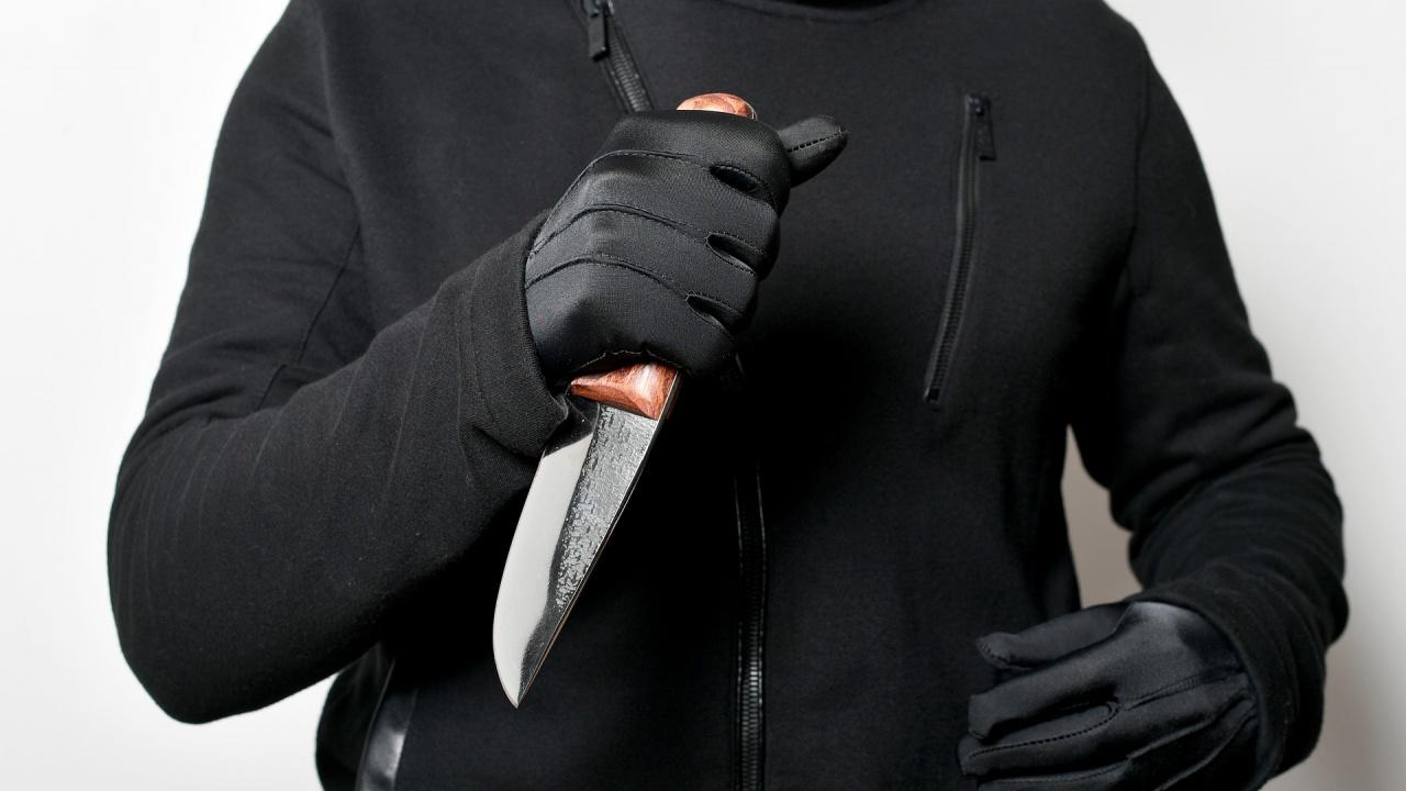 Нападателят с лъка от Конгсберг доубивал жертвите си с нож?