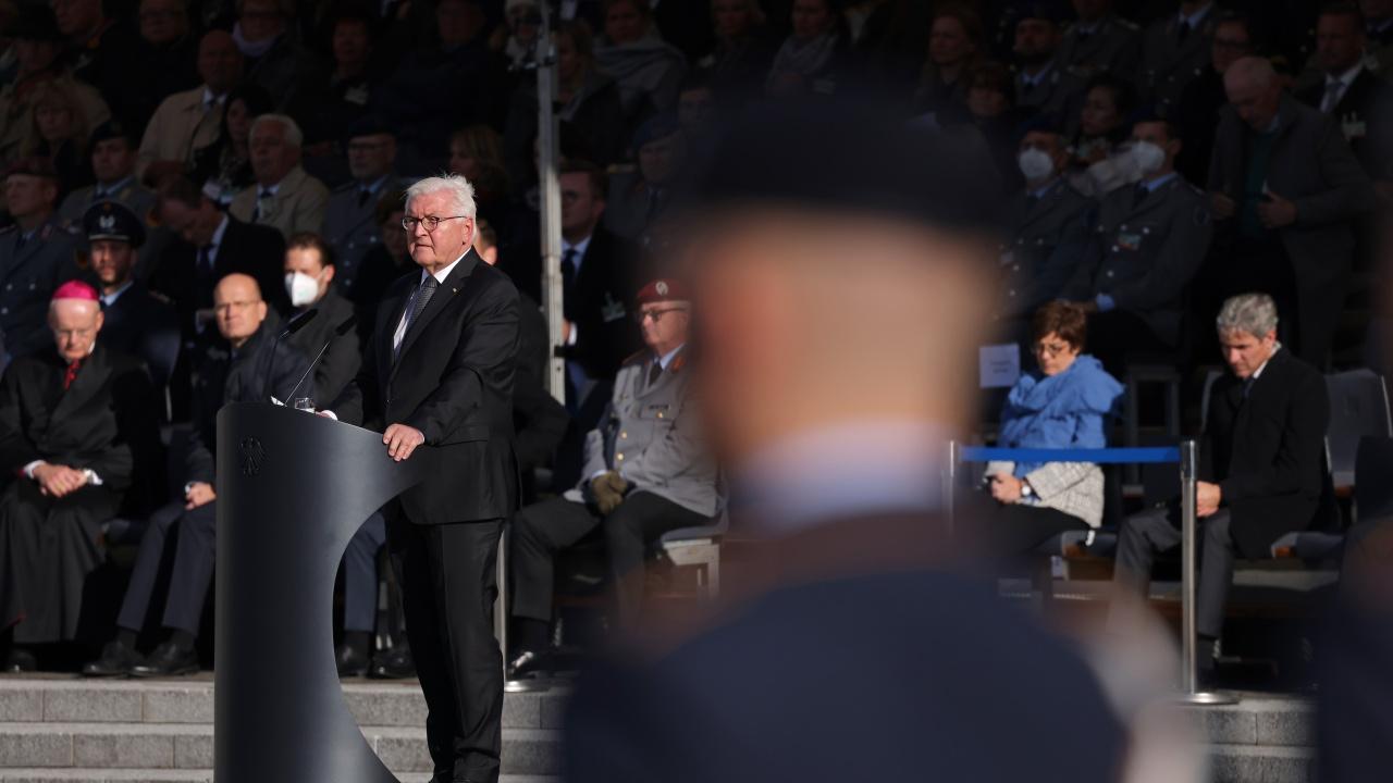 Германският президент отбеляза 80-ата годишнина от първата депортация на евреи