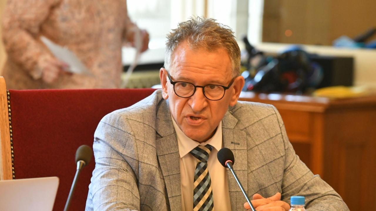 Здравният министър честити професионалния празник на лекарите