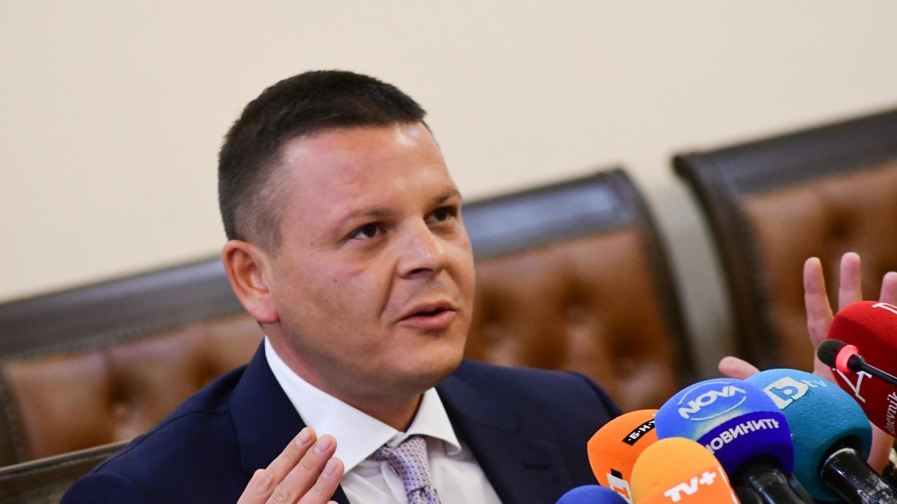 Министър Алексиев: България няма нужда сама да си създава екокатастрофа