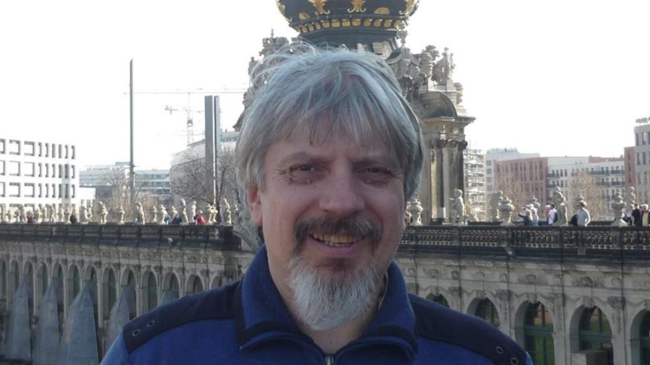 Проф. Витанов: Пловдив и Ловеч са се запътили към тъмночервената зона