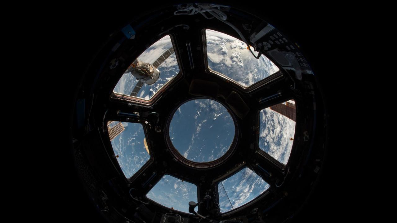 Работата по първия филм, заснет в космоса, ще продължи на Земята до края на 2022 г.