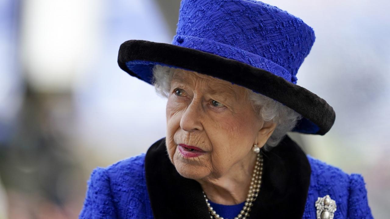 """Кралица Елизабет II отказа наградата """"Възрастен човек на годината"""""""