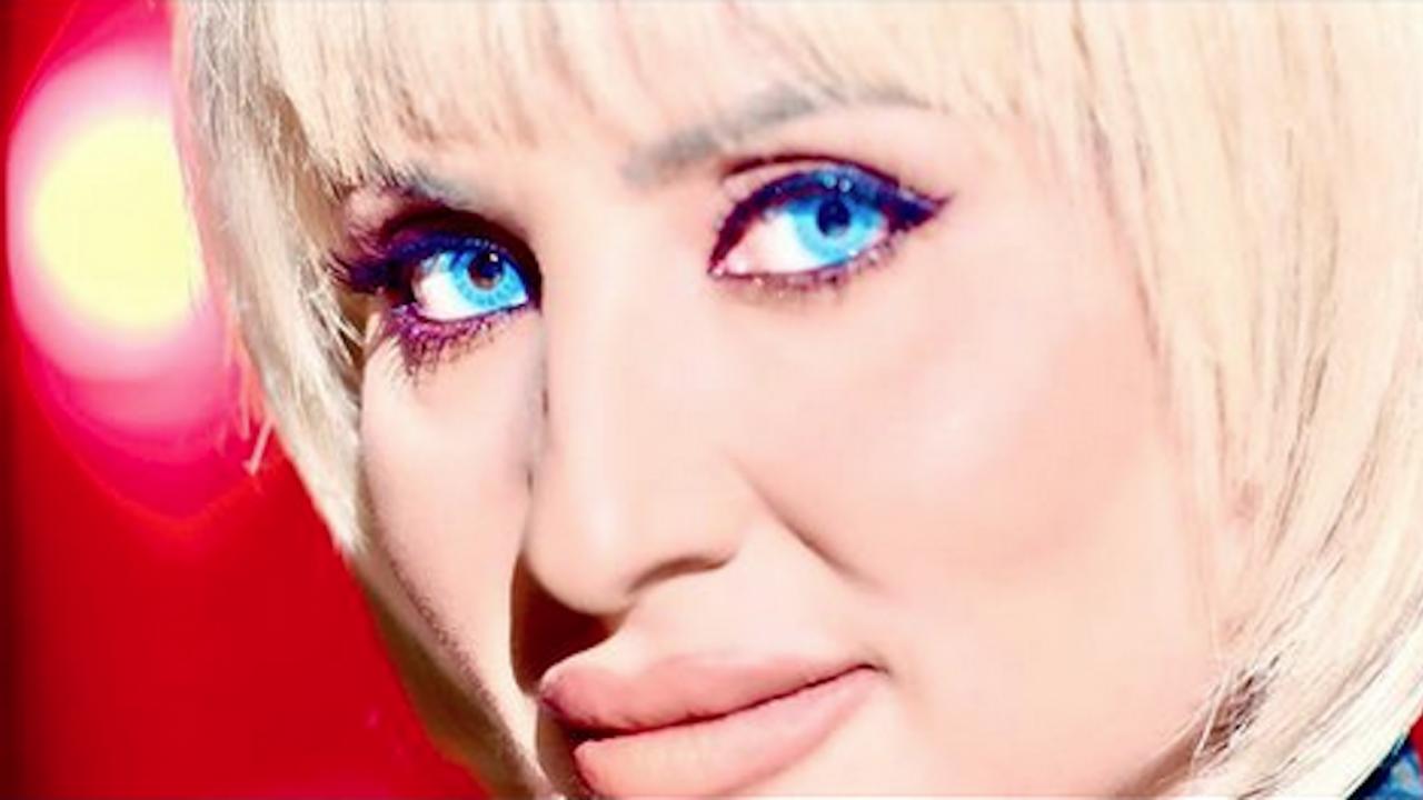 Софи Маринова стана блондинка