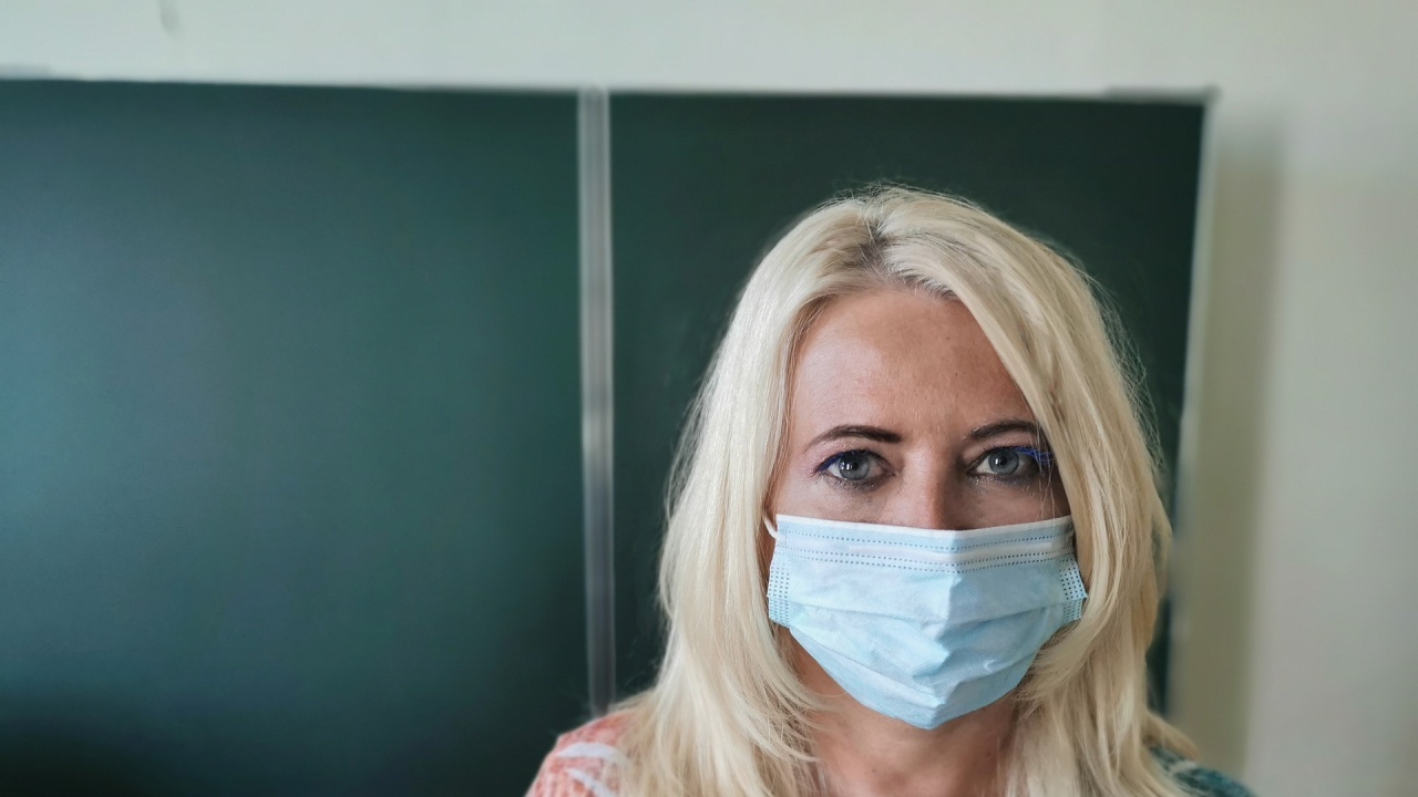 Учители сред новозаразените с коронавирус в Хасковско