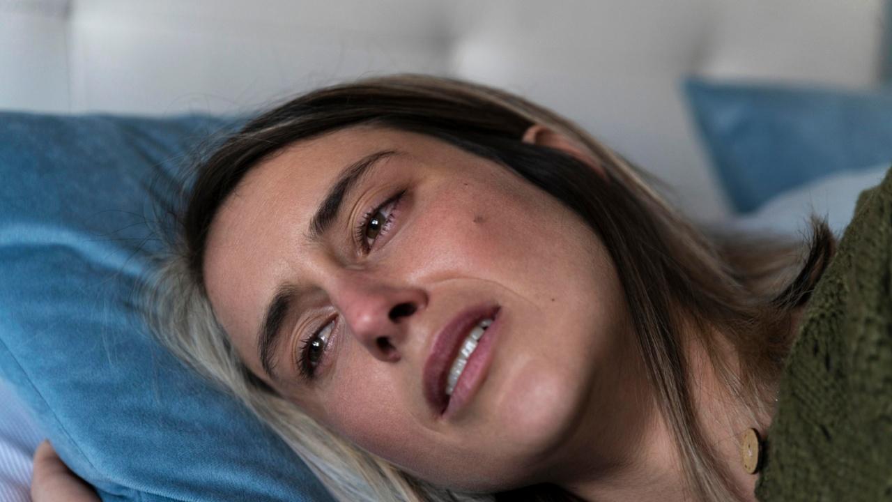 Жена влезе в болница след жестоко изнасилване във влак пред погледа на пътници, никой не реагира