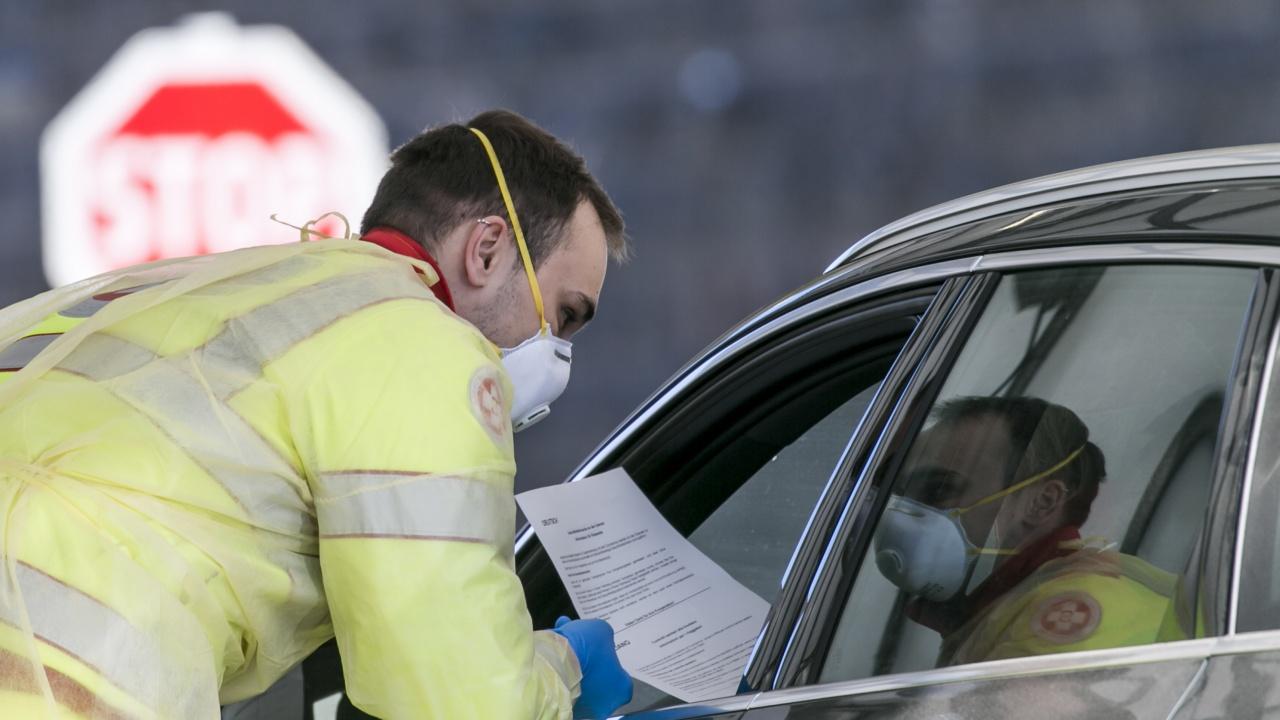 Кризисният щаб в Сърбия е решил да въведе COVID-пропуски
