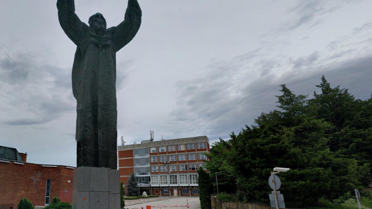 Великотърновският университет минава изцяло на дистанционно обучение